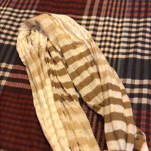 Brown circle scarf